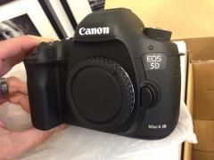 Canon EOS 5D Mark III Digital Camera with 24-105mm IS Lens