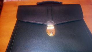 Красивый кожаный темно-зеленый портфель Голландия