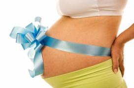 The clinic is recruiting egg donors and surrogate mothers